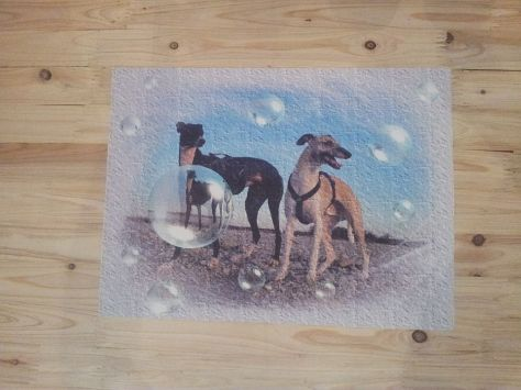 abwaschbare Unterlage - Windhund-Motiv, ca. 45x33cm)